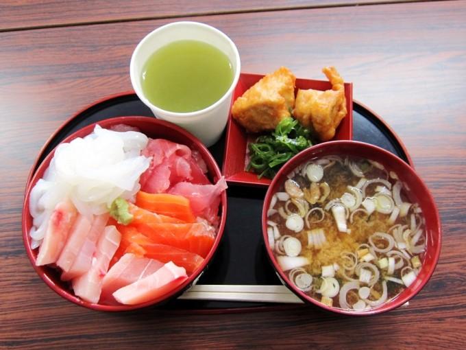 マルアラ_海鮮丼