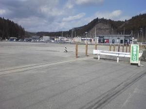 //南三陸さんさん商店街脇・元合同庁舎跡地に無料駐車場が設営されました//