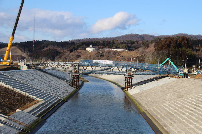【工事進捗】中橋が陸地(左岸・右岸)と接続されました